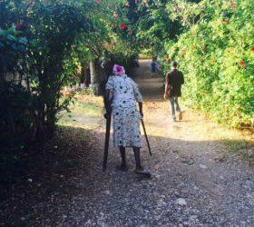 jan-2016-lady-with-crutch-2